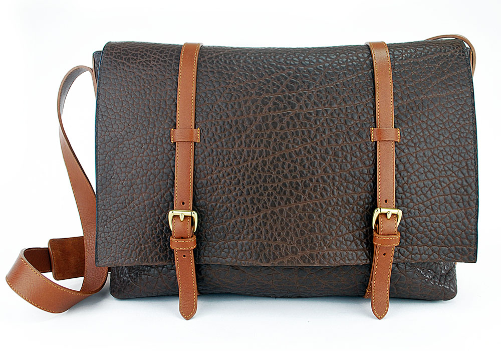 Shrunken Leather Mesenger Bag chocolate The Messenger Bag Grows Up