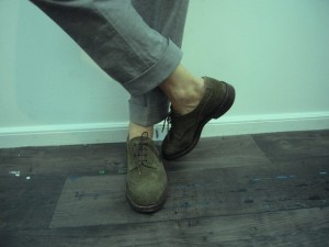 suede wingtips no socks 300x225 The Fine Art of Going Sockless