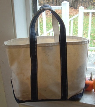 Classic LL Bean Tote (Thanks to SouleMama.typad)